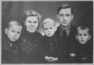 Liuda Rinkūnienė-Neringa su šeima 1948 metais