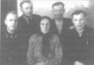 Ona Surmilavičienė su sūnumis